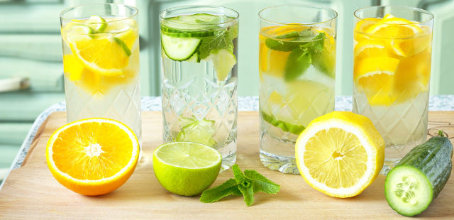 2013-04-25-8-drinks-that-make-dieting-easier-flavored-water