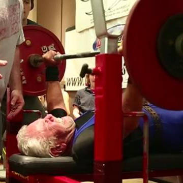 2013-09-22-91-year-old-sets-weightlifting-record