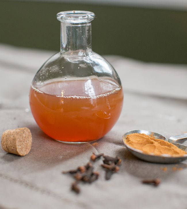 Homemade Minty Clove Mouthwash