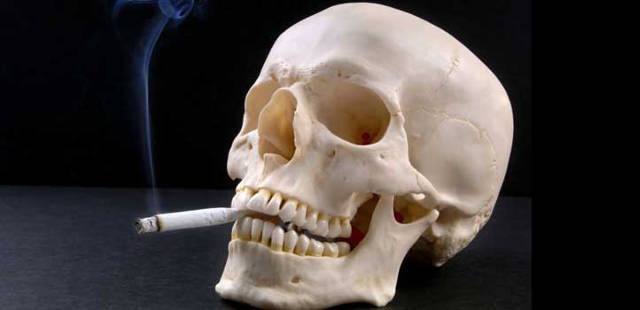 video shows what smoking does to the lungs