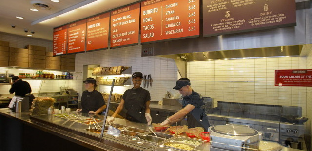 chipotle restaurant goes gmo free