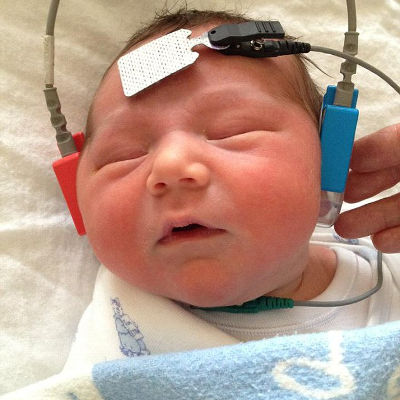 7 week old boy hears moms voice for first time