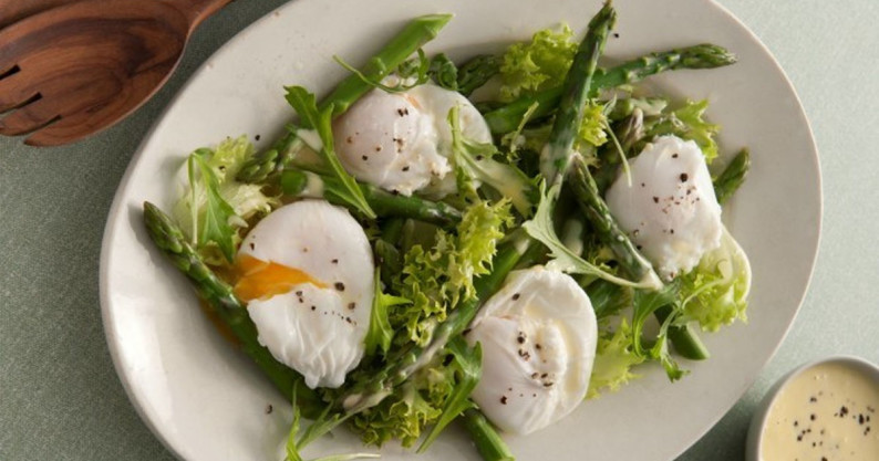 salad poached egg